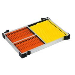 Tray met gele en oranje tuigenplankjes